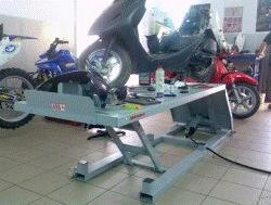 Пневматический подъемник для мотоциклов